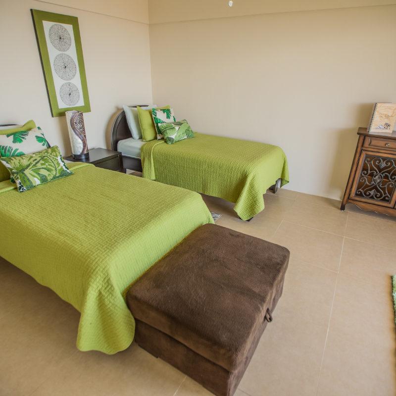 vida-mountain-twin-beds